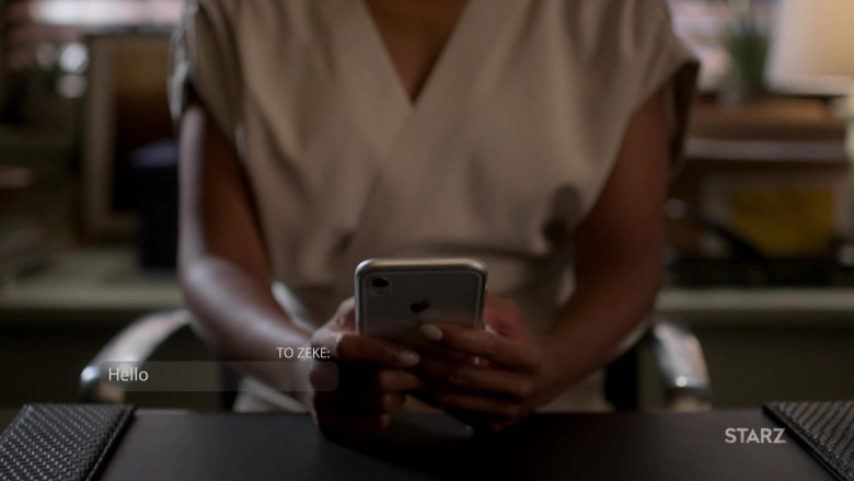 Apple iPhone Smartphone of Melanie Liburd as Caridad 'Carrie' Milgram in Power Book II Ghost S01E09
