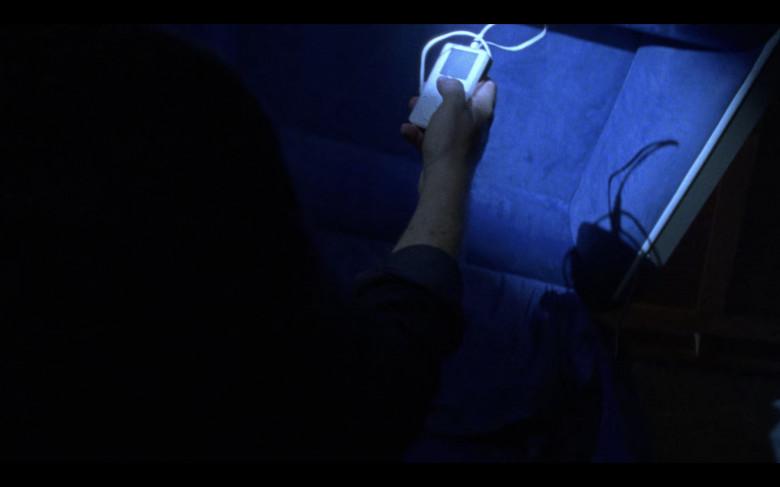 Apple iPod Media Player of Josh McDermitt as Eugene Porter in The Walking Dead S08E07 (2)