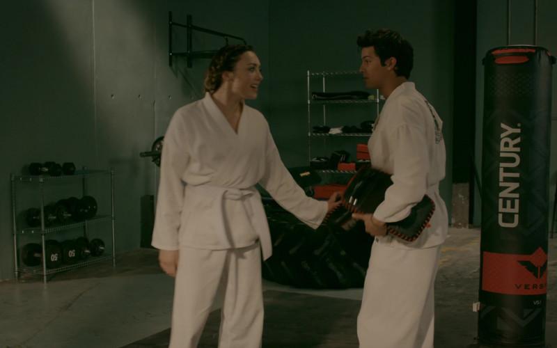 Century Martial Arts Versys VS.1 Punching Bag in Cobra Kai S02E06 (1)