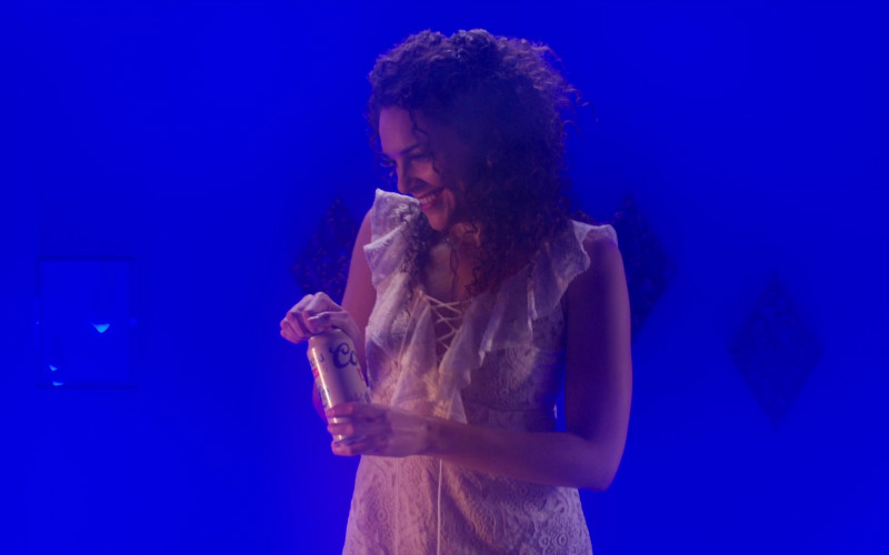 Coors Beer of Vanessa Rubio as Carmen in Cobra Kai S02E08 (1)