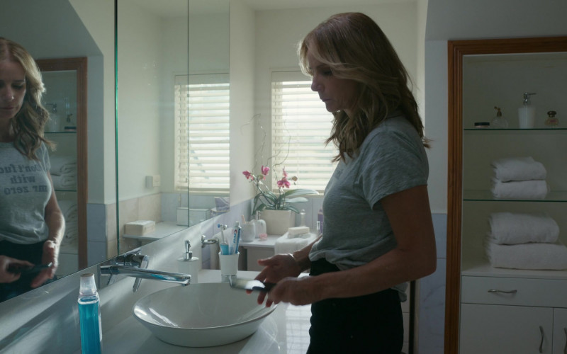Crest Toothpaste of Rachel Griffiths as Gretchen Klein in The Wilds S01E05