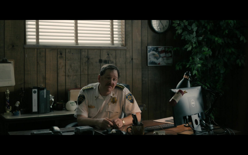 Dell Monitor of John Pirruccello as Sheriff Ray Royce in Your Honor S01E04 (3)