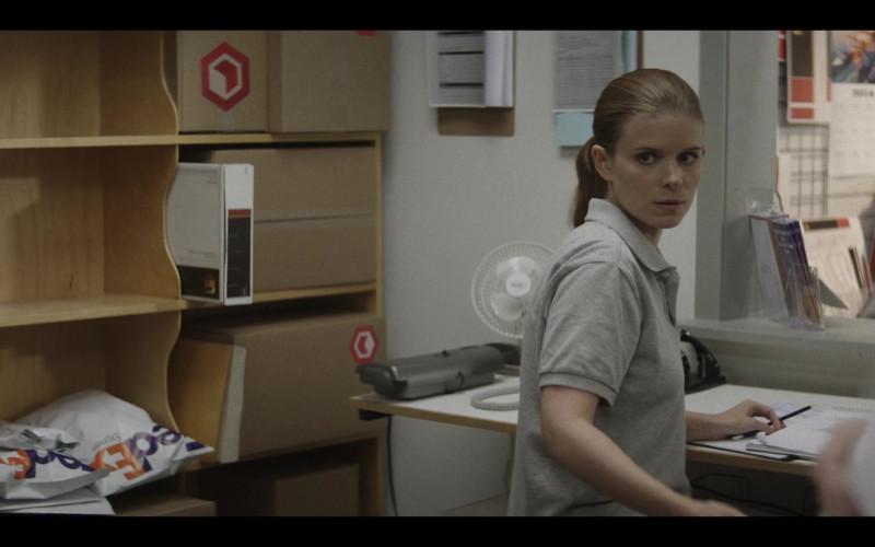 Fedex in A Teacher S01E09 (2020)