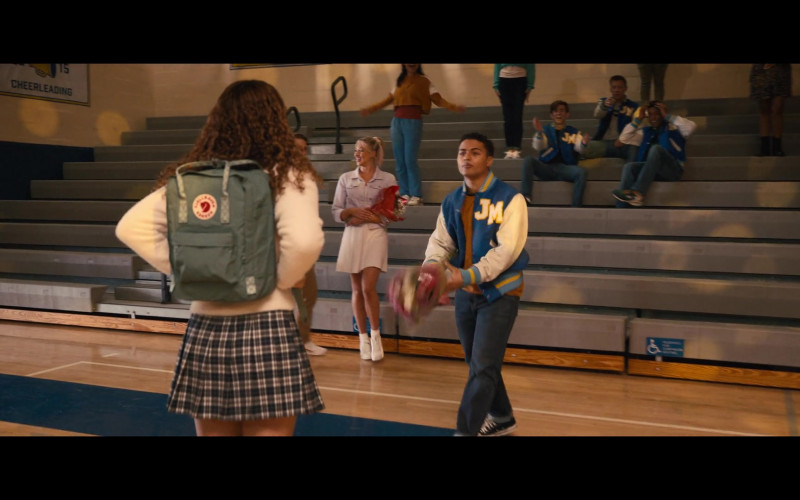 Fjallraven Kanken Green Backpack of Sofia Deler as Shelby in The Prom (2)