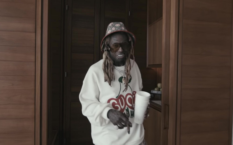 Gucci Sweatshirt and Hat of Lil Wayne in Something Different (2020)