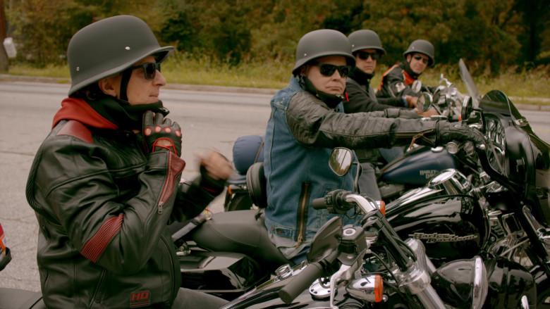 Harley-Davidson Motorcycles in Cobra Kai S02E06 (1)