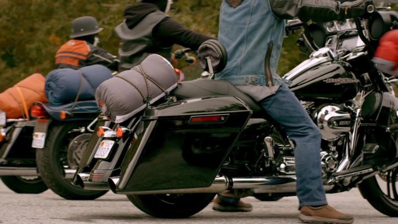 Harley-Davidson Motorcycles in Cobra Kai S02E06 (2)