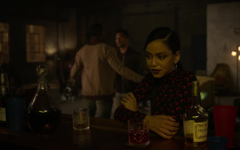 Hennessy Cognac Bottle in Power Book II Ghost S01E09 Monster (2020)
