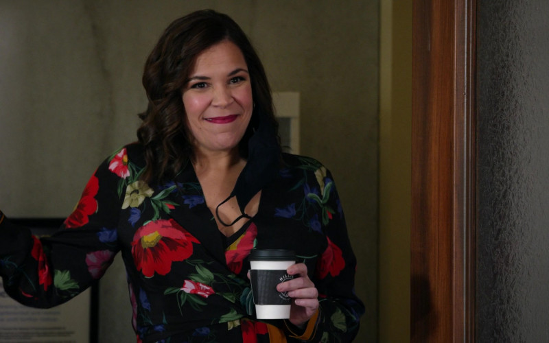 Hilltop Coffee Cup Held by Lindsay Mendez as Sara Castillo in All Rise S02E04 (2)