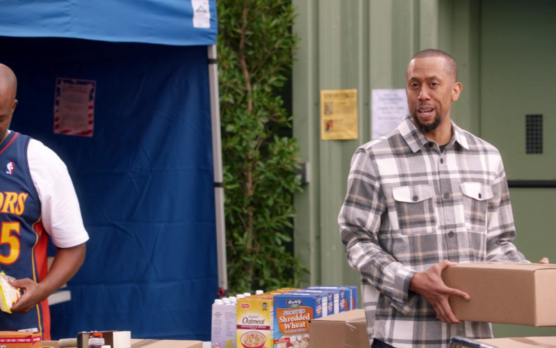 Hospitality Frosted Shredded Wheat in Black-ish S07E06