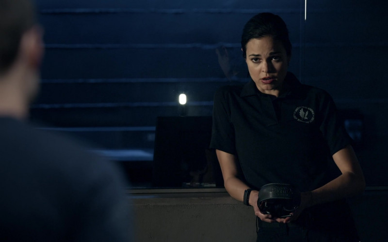 Howard Leight Hearing Protection of Lina Esco as Christina 'Chris' Alonso in S.W.A.T. S04E05 Fracture (2020)
