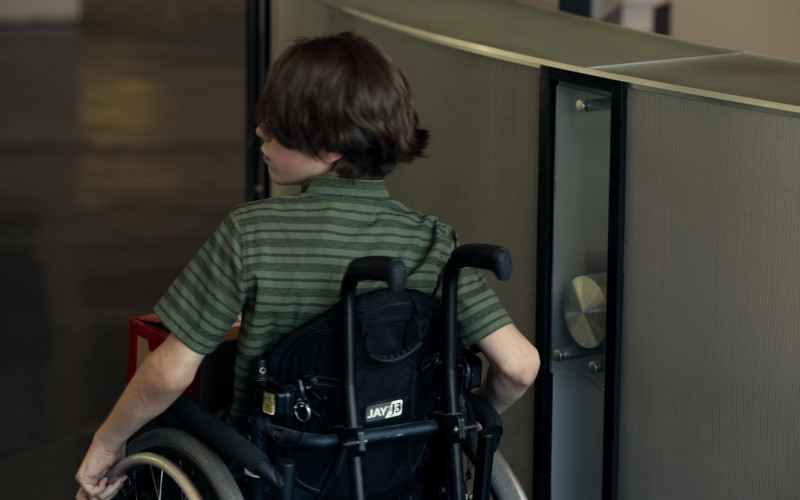 JAY J3 Wheelchair in S.W.A.T. S04E05 Fracture (2020)