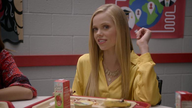 Juicy Juice 100% Apple Juice of Annalisa Cochrane as Yasmine in Cobra Kai S01E02 (2)