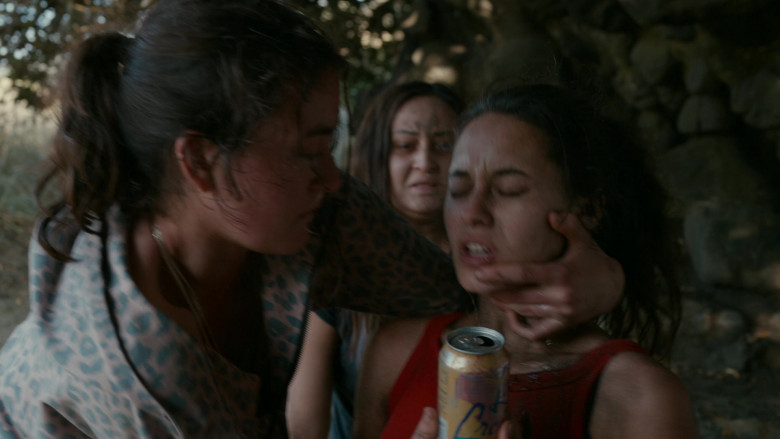 LaCroix Sparkling Water Can of Erana James as Toni Shalifoe in The Wilds S01E06 Day Twelve (3)