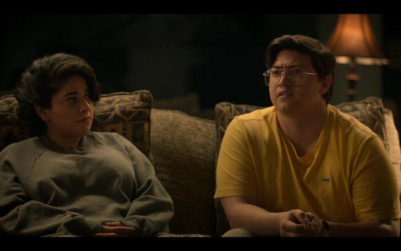 Lacoste Men's Yellow T-Shirt in Selena The Series S01E09 Qué Creías (2020)