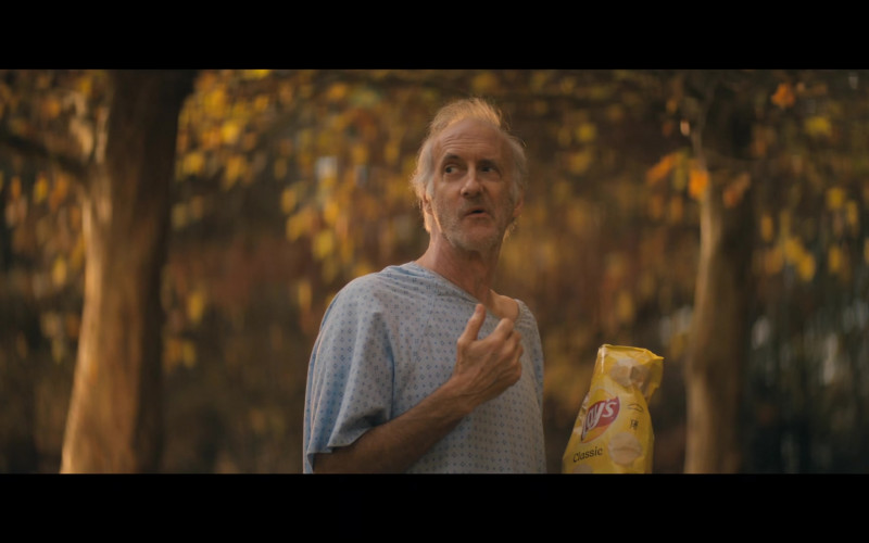 Lay's CLassic Potato Chips in The Stand S01E02 Pocket Savior (2020)
