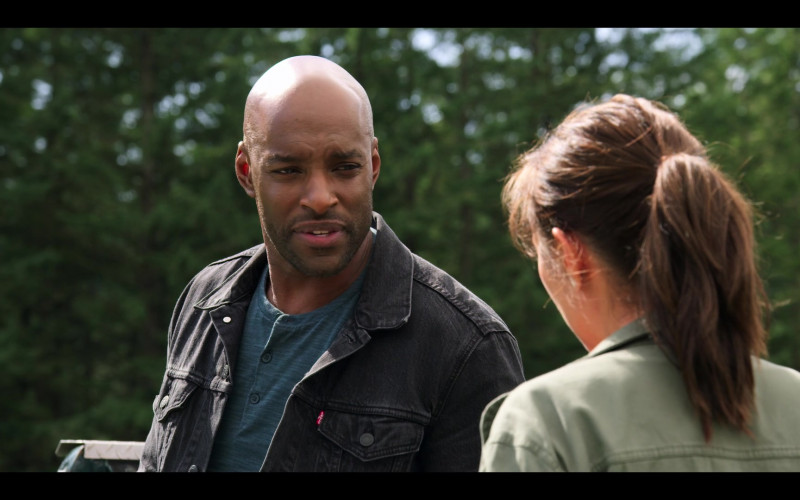 Levi's Black Denim Jacket of Colin Lawrence as John 'Preacher' Middleton in Virgin River S02E01 (2)