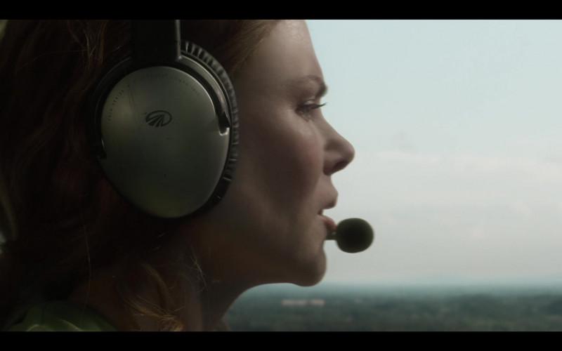 Lightspeed Aviation Headset of Nicole Kidman as Grace Fraser in The Undoing S01E06 TV Show (1)