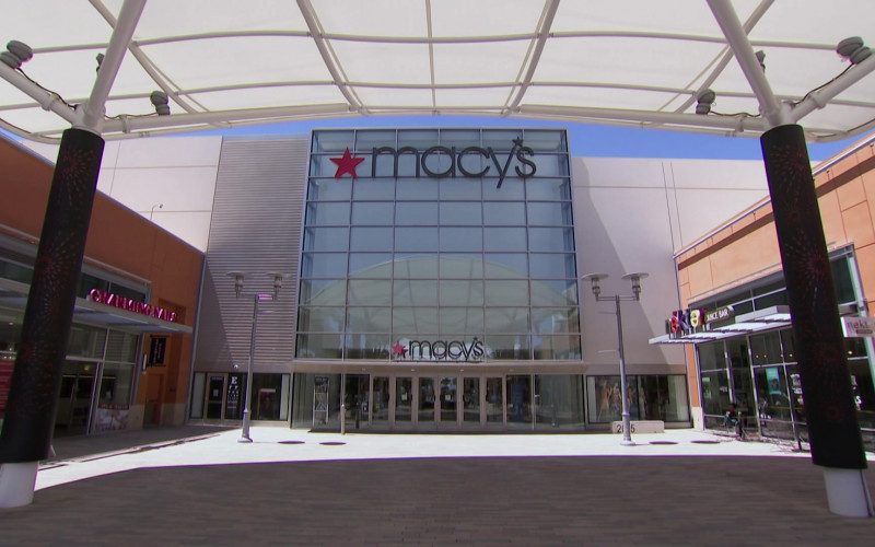 Macy's Store in Hell's Kitchen S19E14 (1)