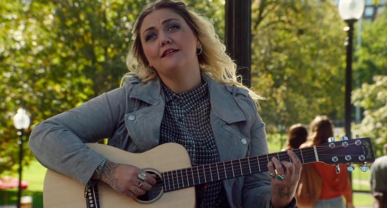 Martin Guitar of Elle King as Jordan in Love, Weddings & Other Disasters (2020)