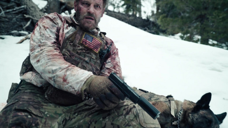 Mechanix Gloves of David Boreanaz as Master Chief Special Warfare Operator Jason Hayes in SEAL Team S04E01 (3)