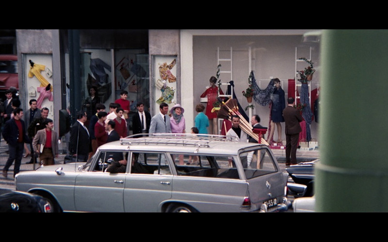 Mercedes-Benz 200 Universal Car in On Her Majesty's Secret Service (1969)