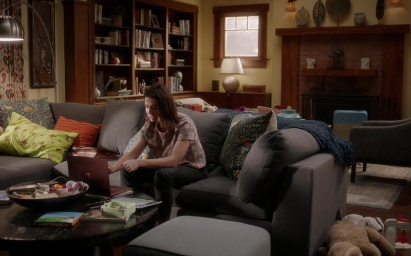 Microsoft Surface Laptop of Caterina Scorsone as Dr. Amelia Shepherd in Grey's Anatomy S17E05