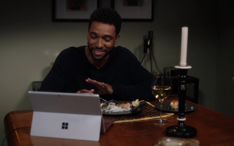 Microsoft Surface Tablets in Grey's Anatomy S17E04 (2)