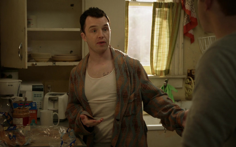 Mr. Coffee Coffee Maker in Shameless S11E02 (1)