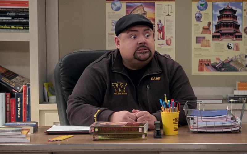 Naples Rib Company (Barbecue Restaurant) Yellow Cup in Mr. Iglesias S03E01 (2)
