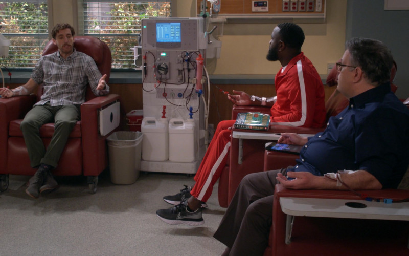 Nike Renew Run SE Shoes of Terrence Terrell as Eli Russell in B Positive S01E05
