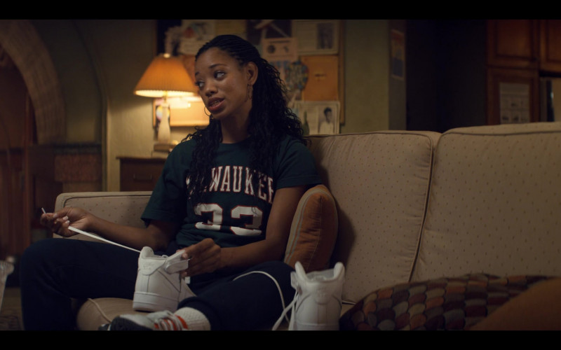 Nike Women's Hi-Top White Sneakers of Kylie Jefferson as Neveah in Tiny Pretty Things S01E06 Joie de Vivre (2020)