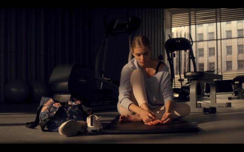 NordicTrack Exercise Equipment Used by Casimere Jollette as Bette Whitlaw in Tiny Pretty Things S01E01