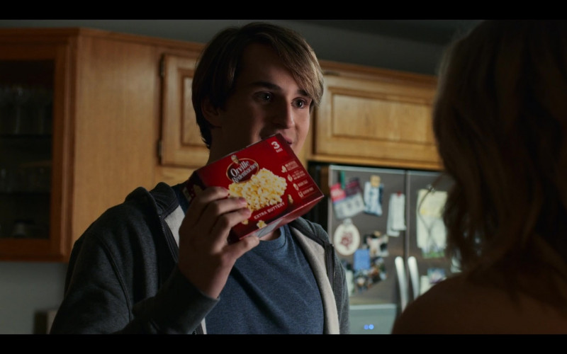 Orville Redenbacher's Popcorn Held by Grayson Maxwell Gurnsey (Ricky as Grayson Gurnsey) in Virgin River S02E08