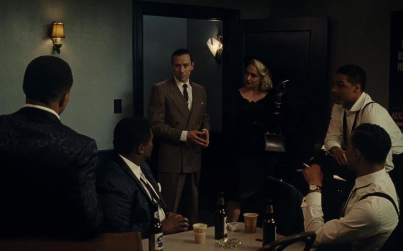 Pabst Blue Ribbon Beer in Sylvie's Love (2020)