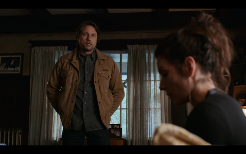 Patagonia Iron Forge Hemp Canvas Ranch Jacket (Coriander Brown) of Martin Henderson as Jack Sheridan in