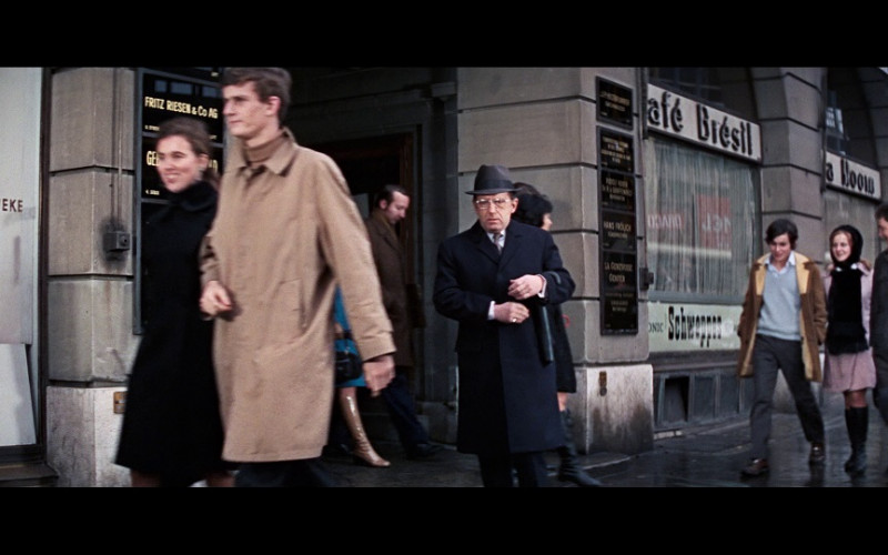 Schweppes sign in the window in On Her Majesty's Secret Service (1969)