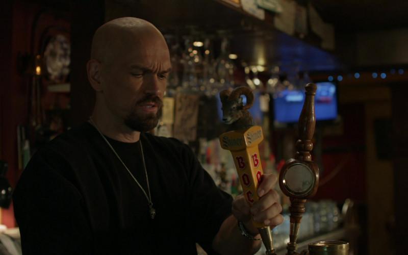 Shiner Bock Beer in Shameless S11E02 (4)