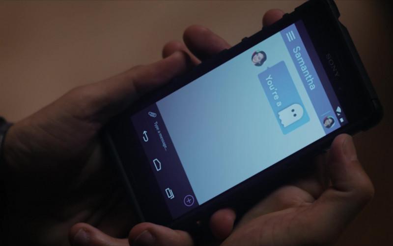 Sony Smartphone of Ralph Macchio as Daniel LaRusso in Cobra Kai S01E03 Esqueleto (2018)