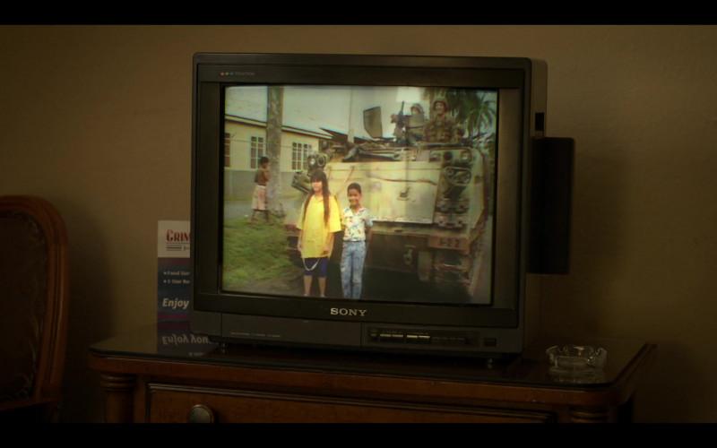 Sony Trinitron Television in Selena The Series S01E07 Fideo (2020)