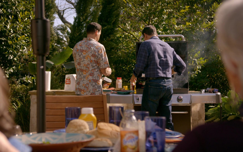 Stella Artois Beer and Lay's Chips in Cobra Kai S01E08 Molting (2018)