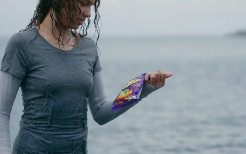 Takis Fuego Chips Held by Helena Howard as Nora Reid in The Wilds S01E04 (1)