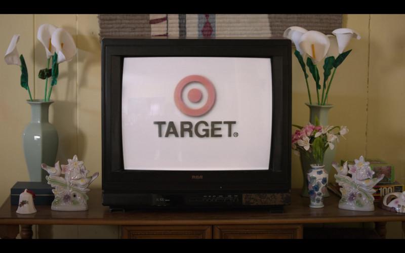 Target Store Ad & RCA TV in Selena The Series S01E02 Dame Un Beso (2020)