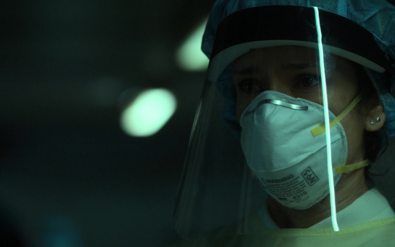 3M N95 Face Mask of Indira Varma as Safiya Masry in For Life S02E06 354 (2021)