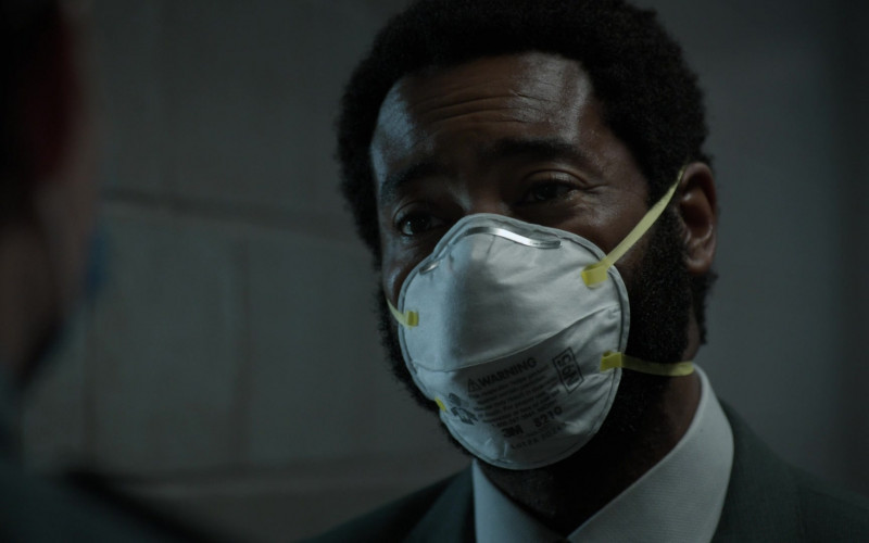 3M N95 Face Mask of Nicholas Pinnock as Aaron Wallace in For Life S02E06 354 (2021)