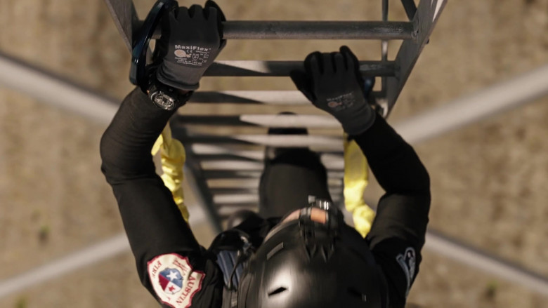 ATG MaxiFlex Gloves of Gina Torres as Tommy Vega in 9-1-1 Lone Star S02E01 Back in the Saddle (2021)