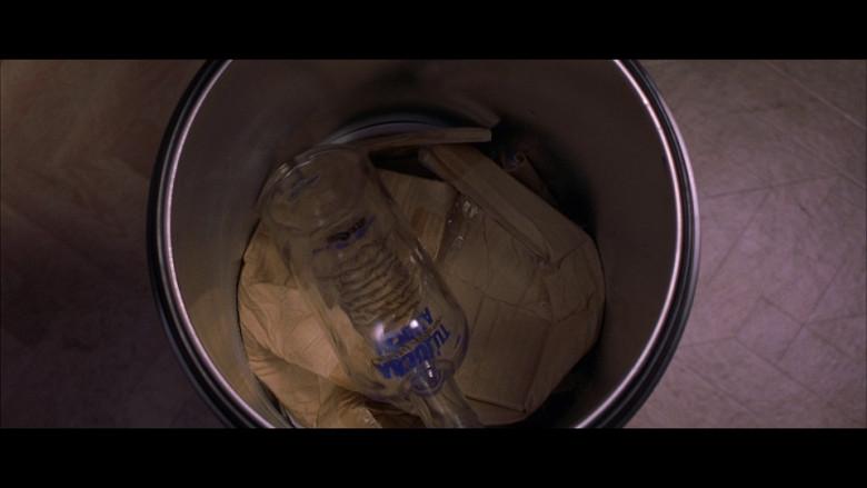 Absolut Vodka Bottle in Bridget Jones's Diary (2001)