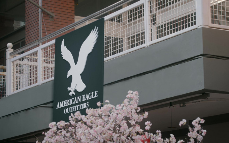 American Eagle Outfitters Store in Cobra Kai S03E04 The Right Path (2021)