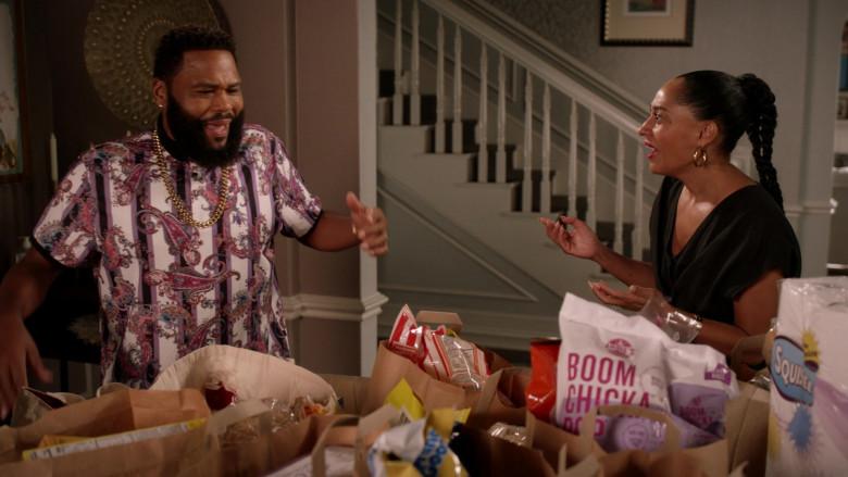 Angie's BOOMCHICKAPOP Snack in Black-ish S07E09 (2)