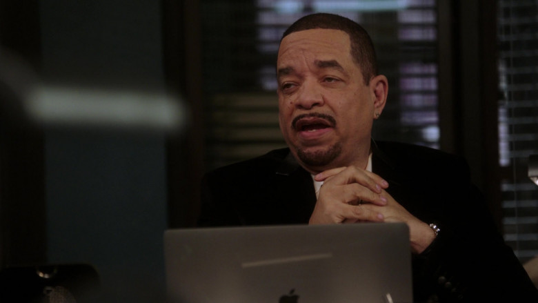 Apple MacBook Laptop of Ice-T as Odafin Fin Tutuola in Law & Order SVU S22E05